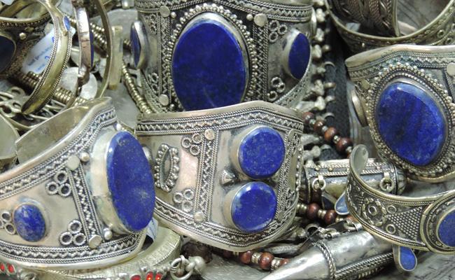 bijoux ethniques en argent et lapis-lazuli